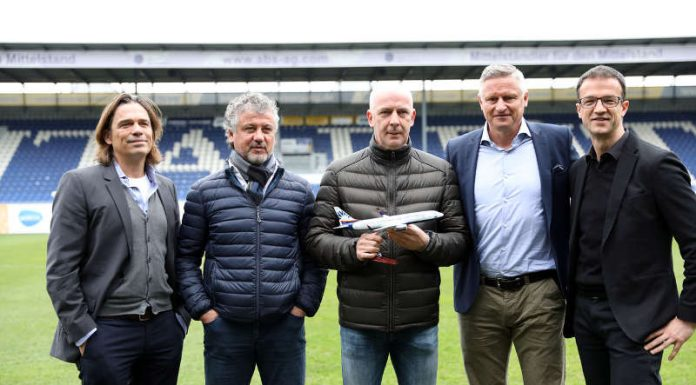 Veranstalter Wim Vogel, Erdal Keser, Mario Basler, Stefan Blöcher (Geschäftsführer BRITA-Arena) und Fredi Bobic. (Foto: svww.de)