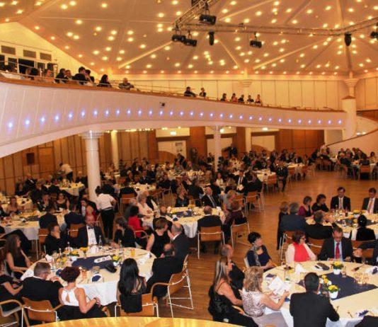 Volle Stadthalle (Foto: Stabsfeldwebel Frank Wiedemann)