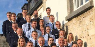 Innenminister Thomas Strobl und die geehrten Polizeisportlerinnen und Polizeisportlern (Foto: Ministerium)