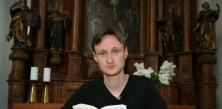 Sebastian Brandes liest Georg Forster. (Foto: Armin Thomas)
