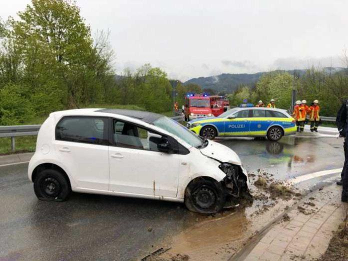 PKW hat sich überschlagen Quelle: Feuerwehr Hirschberg