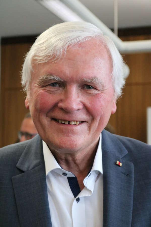 Gottfried Schneider bei der Feierstunde im Landratsamt, die anlässlich seines 75. Geburtstages stattfand. (Foto: Kreis Bergstraße)