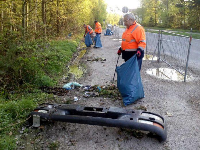 Unter anderem wurde eine LKW Stoßstange entsorgt (Foto: Stadt Speyer)