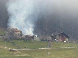 in dieser Woche ereignete sich in Martell/Südtirol ein Großbrand, bei dem eine Höfegruppe völlig zerstört wurde (Foto: Notburga Pardatscher)