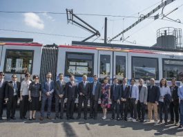 Gruppenbild bei der Einweihung der Frankfurt/Guangzhou-Freundschaftsbahn (Foto: Salome Rössler)