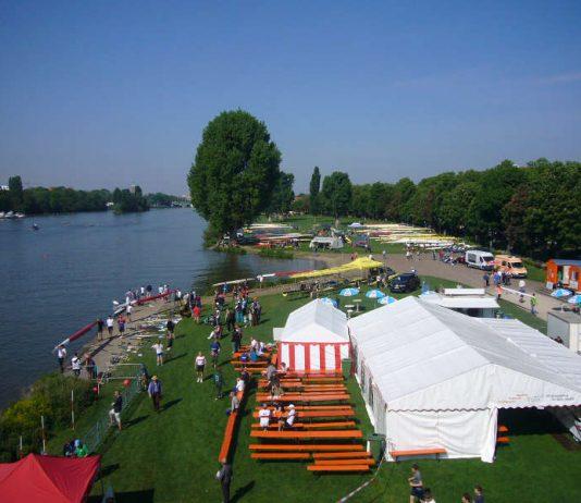 Die Heidelberger Ruderregatta findet mitten in der Stadt auf dem Neckar statt (Foto: Hannes Blank)