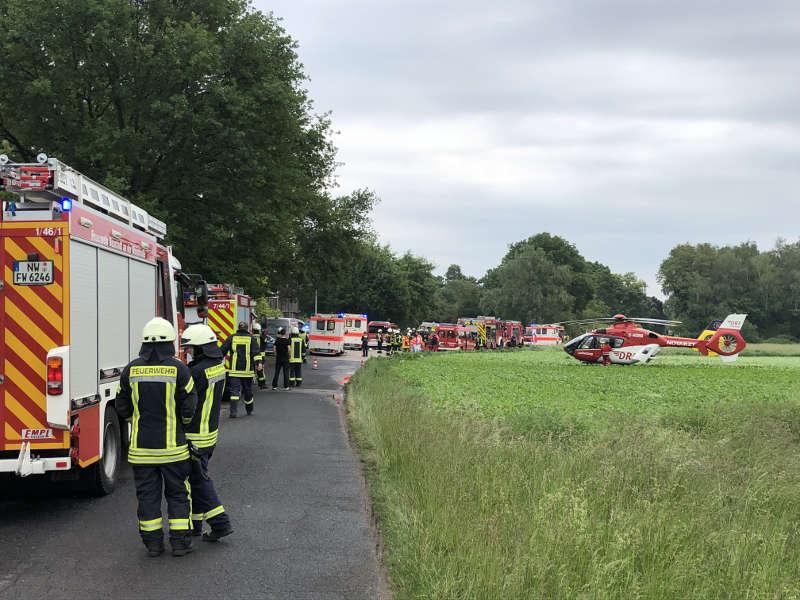 Unter anderem waren auch zwei Rettungshubschrauber im Einsatz (Foto: Feuerwehr Neustadt)