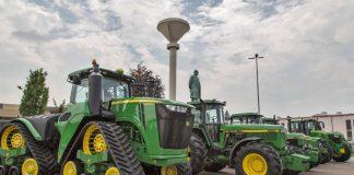 Traktoren vor Lanz (Foto: John Deere GmbH & Co. KG)