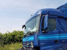 Einer der beteiligten LKW am Auffahrunfall bei Butzbach