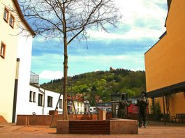 """Die Stadtwerke Weinheim haben den dritten Hotspot ihres """"City WLAN"""" eingerichtet (Foto: Stadtwerke Weinheim GmbH)"""