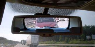 Neben der gefahrenen Geschwindigkeit unterschätzen viele Verkehrsteilnehmer laut Deutschem Verkehrssicherheitsrat (DVR) den nötigen Sicherheitsabstand (Foto: obs/Deutscher Verkehrssicherheitsrat e.V.)