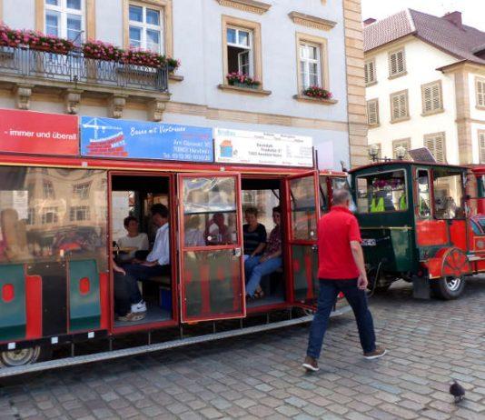 """Mit dem Schoppenbähnel geht es am Donnerstag, 28. Juni, auf """"rollende Bürgerinfo"""" mit Landaus Oberbürgermeister Thomas Hirsch. (Foto: Stadt Landau in der Pfalz)"""