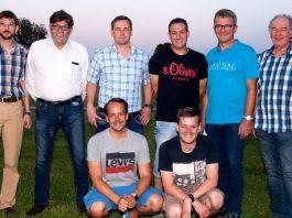 Der neue Kreis-Schiedsrichter-Ausschuss Bad Kreuznach: Hintere Reihe von links: Thorsten Gerhard Braun (Verbands-Schiedsrichter-Lehrwart), Thomas Mueller (Beisitzer), Torsten Bauer (Kreis-Schiedsrichter-Obmann), Björn Strack (stellvertretender Kreis-Schiedsrichter-Obmann), Olaf Schneider (Beisitzer) und Erhard Blaesy (Verbands-Schiedsrichter-Obmann). Vordere Reihe von links: Thomas Diederich (Beisitzer) und Rouven Bösand (Kreis-Schiedsrichter-Lehrwart). (Foto: SWFV)