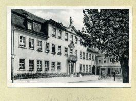 Postkarte aus Frankenthal mit dem alten Rathaus als Motiv (Foto: Stadtverwaltung Frankenthal, Erkenbert-Museum)