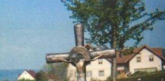 Wo ist diese Bronzestatue? Hinweise bitte an die Polizei unter Verweis auf diese Meldung