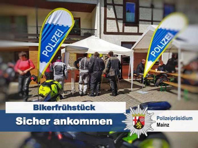 Bikerfrühstück beim Gaesselocher-Rädche-Team mit der Polizei Kirn