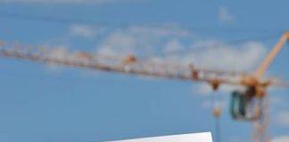 Beantwortet auf 32 Seiten wichtige Fragen rund ums Thema Bauen in Landau: Die neue Baubroschüre, die im Bürgerbüro im Rathaus und im Baubürgerbüro des Stadtbauamts in der Königstraße kostenfrei erhältlich ist. (Foto: Stadt Landau in der Pfalz)