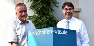 Oberbürgermeister Thomas Hirsch (r.) und Beigeordneter Rudi Klemm rufen Landauer Vereine, Einrichtungen und Organisationen zur Teilnahme am Freiwilligentag der Metropolregion Rhein-Neckar auf. (Foto: Stadt Landau in der Pfalz)