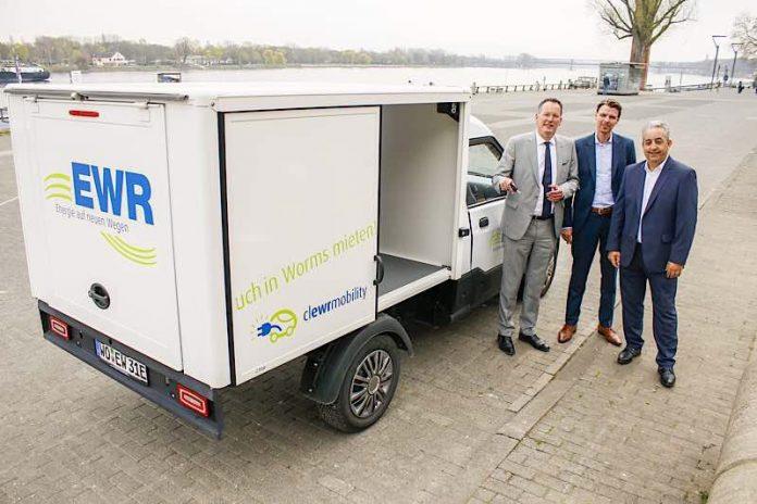 """Sowohl bei der Stadt Mainz als auch beim Wormser Entsorgungs- und Baubetrieb war der E-Transporter """"StreetScooter"""" bereits im Einsatz. (Foto: Stefan Sämmer)"""