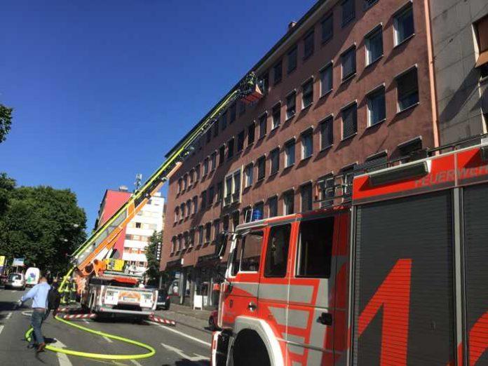 Feuerwehr verhindert Brandausbreitung