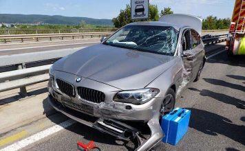 Der unfallbeteiligte BMW (Foto: Feuerwehr Neustadt)
