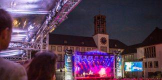 Jazz & Joy - Blick von TST-Lounge auf Sparkassen-Bühne am Markplatz (Foto: Bernward Bertram)
