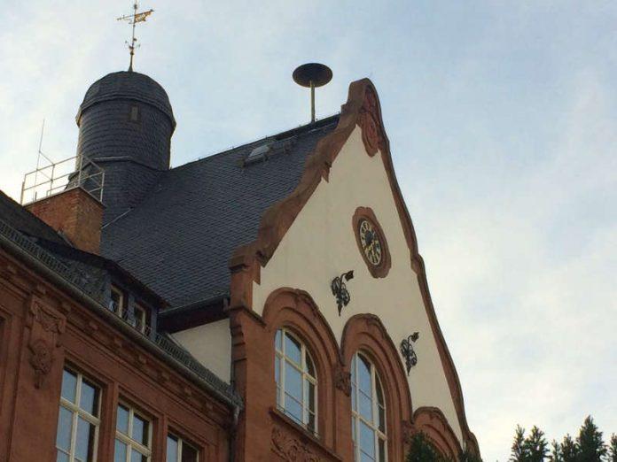 Sirene auf dem Heisenberg-Gymnasium (Foto: Ralf Mittelbach)
