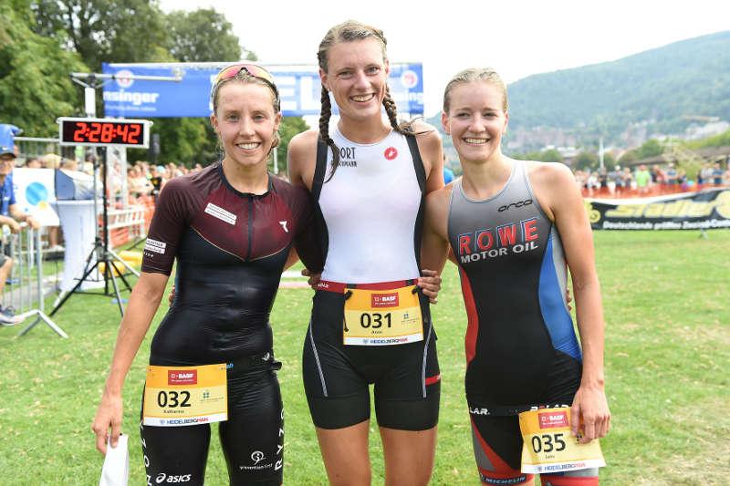 Katharina Wolff, Anne Reischmann, Jana Binninger (v.l.) (Foto: PIX-Sportfotos)