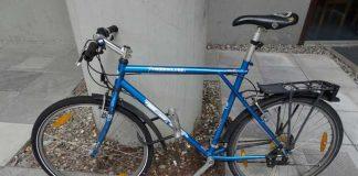 Beim Kino in Walldorf abgestelltes Fahrrad