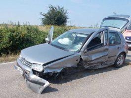 VW Golf mit Totalschaden