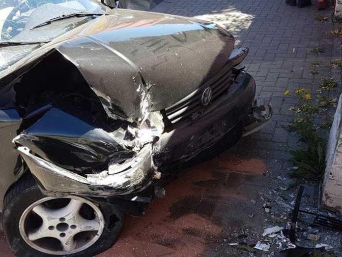 Unfallbeschädigter VW Polo, Worms, Scheidtstraße
