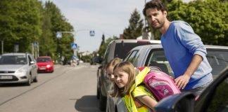 Eltern sollten auf Gefahrenstellen auf dem Schulweg hinweisen. (Foto: ADAC /Stefanie Aumiller)
