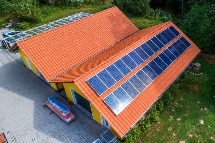 Im Gewerbegebiet in Neckargemünd wurde bereits das 50ste heidelberg ENERGIEDACH installiert. (Foto: Stadtwerke Heidelberg GmbH)