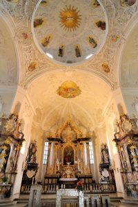 Die barocke Peterskirche Bruchsal, ein Werk des Barockarchitekten Balthasar Neumann, wartet mit Führungen und einem Drehorgelkonzert auf. (Foto: Martin Heintzen)