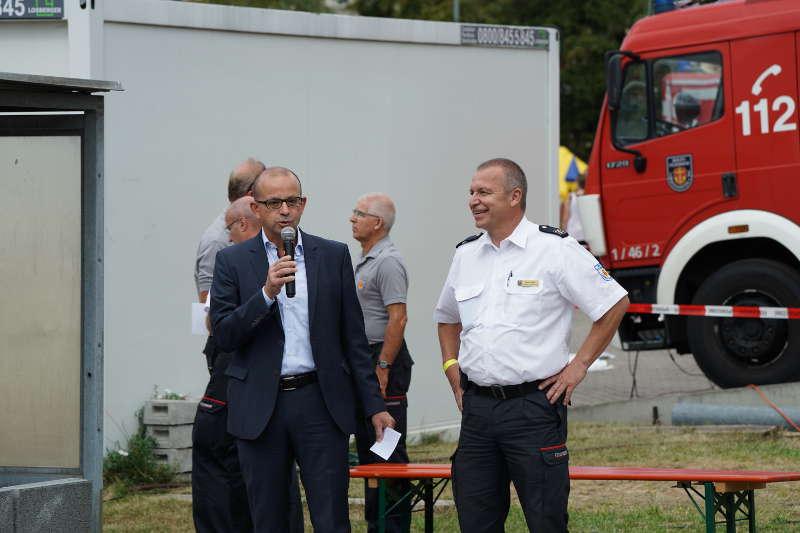 Kämmerer und Feuerwehrdezernent Dieter Feid und Branddirektor Stefan Bruck (Foto: Holger Knecht)a