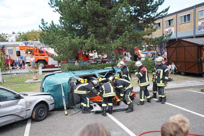 Technische Rettung eines Übungsverletzten (Foto: Holger Knecht)