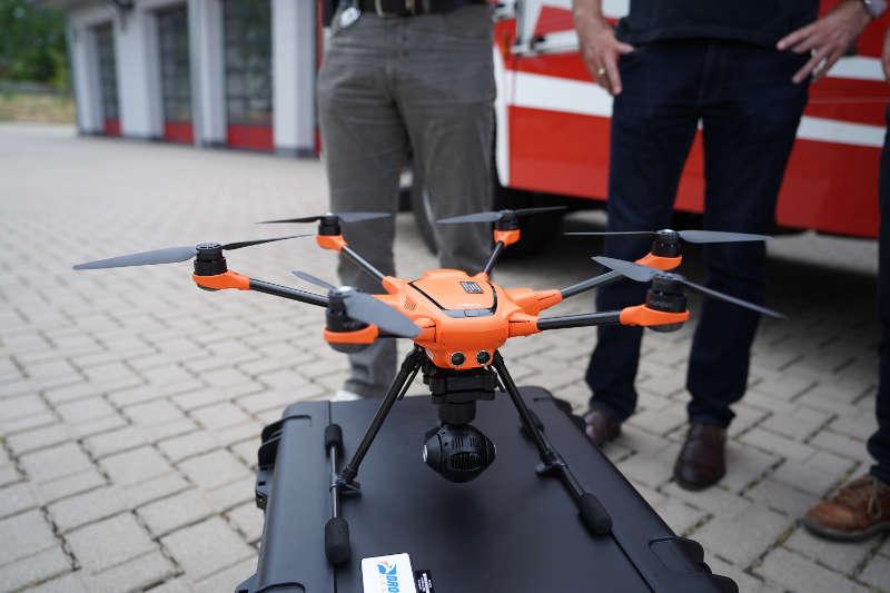 Die Drohne verfügt über sechs Rotoren (Foto: Holger Knecht)