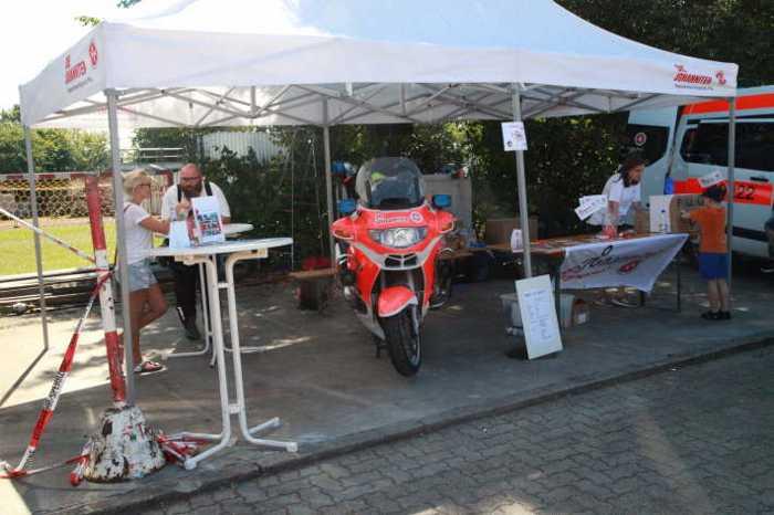 Die Johanniter zeigen ihr Rettungsmotorrad