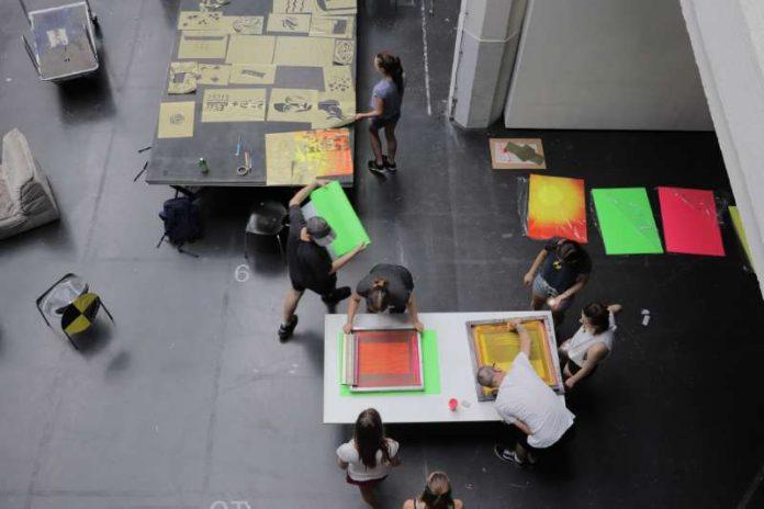 Workshop Siebdruck/Druck (Foto: HfG Karlsruhe)