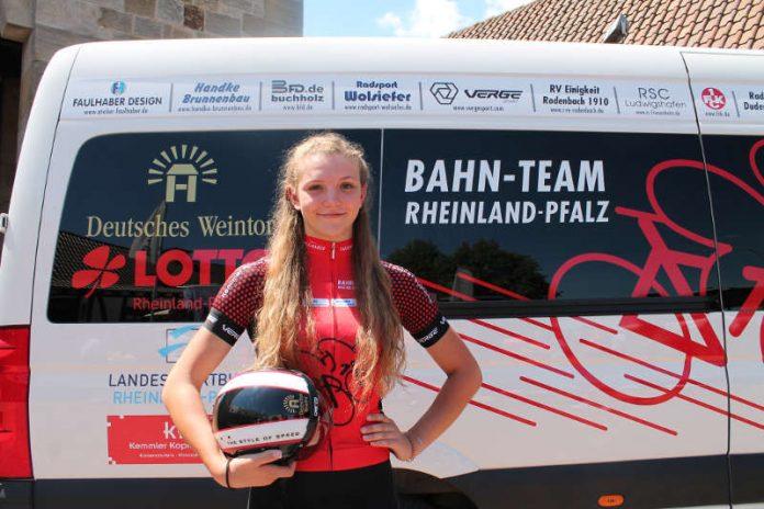 Die 17-jährige Alessa-Catriona Pröpster wurde Junioren-Weltmeisterin im Teamsprint (U 19) beim Bahnradsport (Foto: Michael Sonnick)