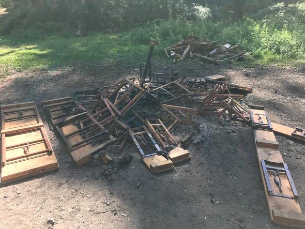 Verbrannte Garnituren
