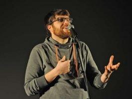 Der amtierende Poetry Slam Landesmeister Markus Becherer (Foto: Karin Hiller/Uni Koblenz-Landau)