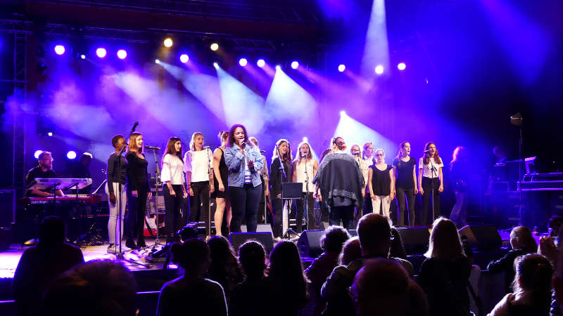 "Popchor ""Young Voices"" (Foto: Wiesbadener Musik- & Kunstschule)"
