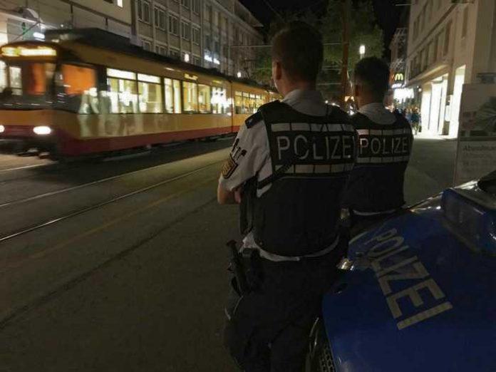 Zur Stärkung des subjektiven Sicherheitsgefühls führten die Verkehrsbetriebe und das Polizeipräsidium Karlsruhe gestern Abend eine weitere Schwerpunktkontrolle durch