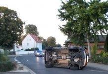Gönnheim, verunglückter Pkw, Opel