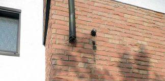 """An mehreren Häusern """"auf dem Kotten"""" wurden die Fallrohre aus Kupfer ganz oder teilweise abgebaut und gestohlen. Wer hat die Täter gesehen?"""