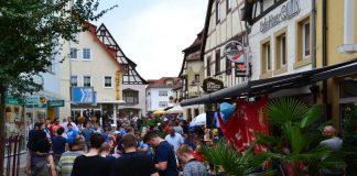 Die Stadt Sinsheim organisiert anlässlich der Heimspiele der TSG 1899 Hoffenheim in der Champions-League Fußball-Fanfeste in der Bahnhofstraße (Foto: Stadtverwaltung Sinsheim)