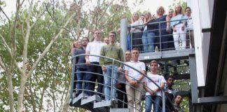 Hoch hinaus beim Landratsamt Karlsruhe: 46 junge Menschen haben ihre Ausbildung bei der Kreisbehörde begonnen. (Foto: Landratsamt Karlsruhe)