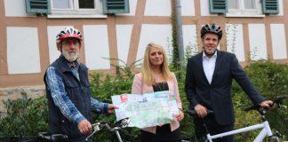 Gemeinsam für ein besseres Radwegenetz an der Bergstraße: Wim Roukens (der Beauftragte für die Radfahrerinteressen im Kreis Bergstraße), Corinna Schierz (zuständige Abteilungsleiterin der Kreisverwaltung) und Landrat Christian Engelhardt. (Foto: Kreis Bergstraße)