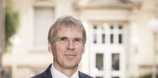 Für weitere sechs Jahre Präsident des KIT: Professor Holger Hanselka (Foto: Markus Breig, KIT)